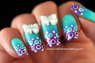 nail art gradient polka dots