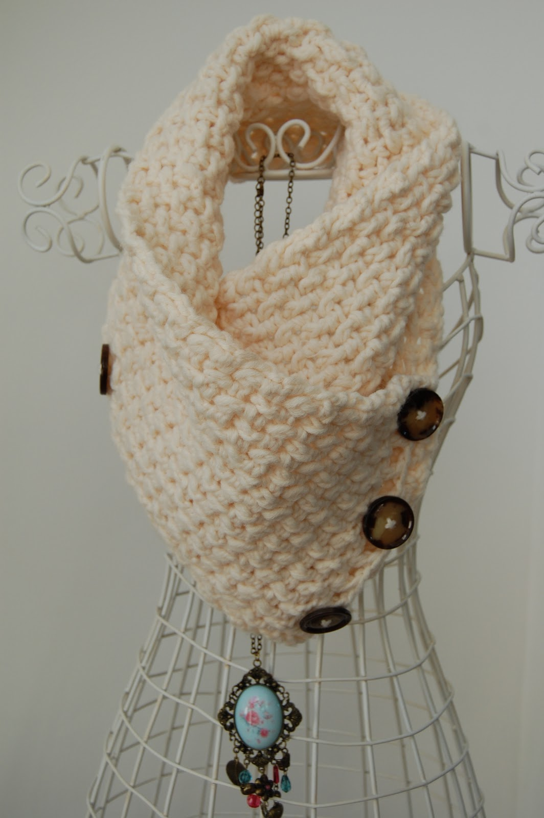 Crochet Patterns Neck Warmers : thought I would share my latest crochet project with you