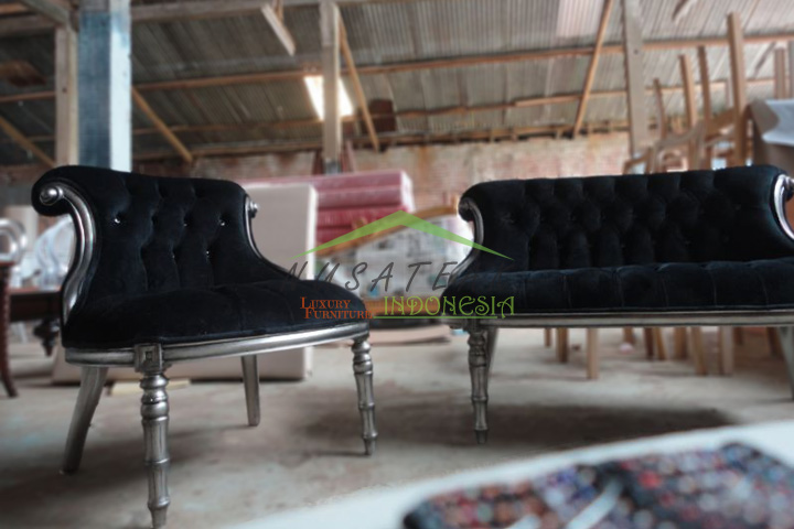 Prambanan Black Velvet Sofa