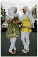 хиджаб и джинсы