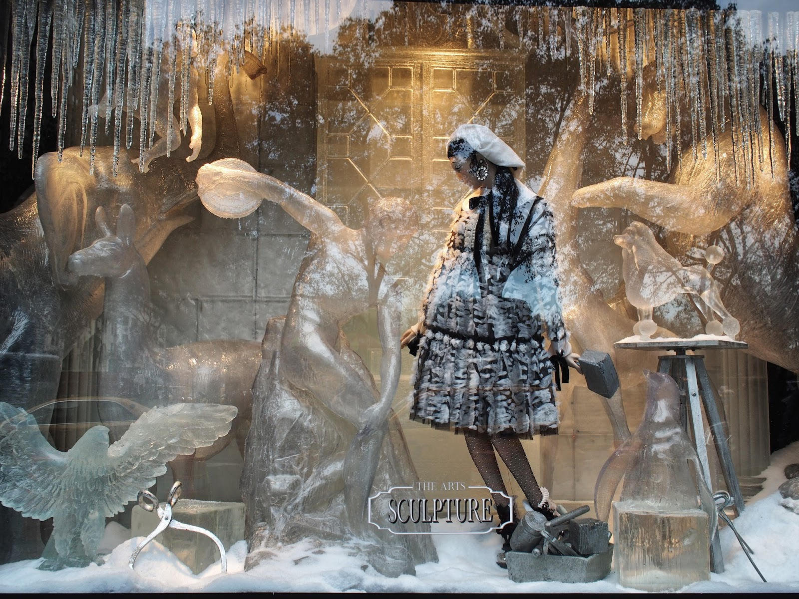 How Much is that Bear in the Window #howmuchisthatbearinthewindow #holidaywindows #5thavenuewindows #NYC  #holidays #besttimeoftheyear #nyc ©2014 Nancy Lundebjerg