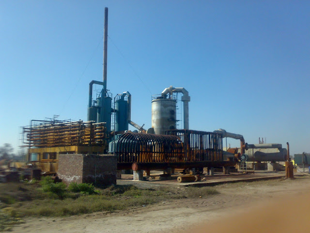 Sulfuric Acid Plant in Pakistan Zimindar Chemical between 100 Metic ton daily production by contact process single absorption chiniot and faisalabad, near madina sugar mill, image by irfan ahmad plant operator,