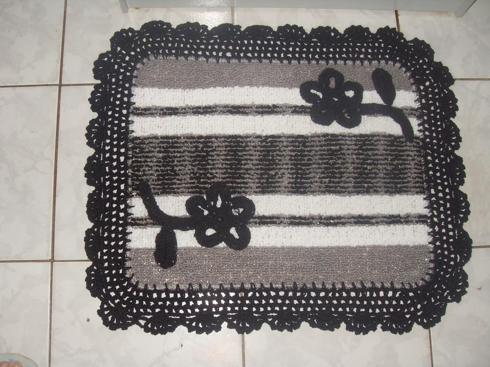Nina Crochê: Jogo de banheiro emborrachado #6F675C 1600x1200 Banheiro Branco Com Cinza