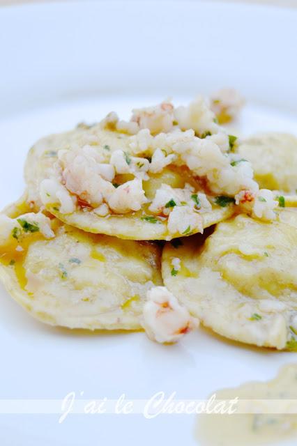 ravioli di pesce con ragù di gamberi