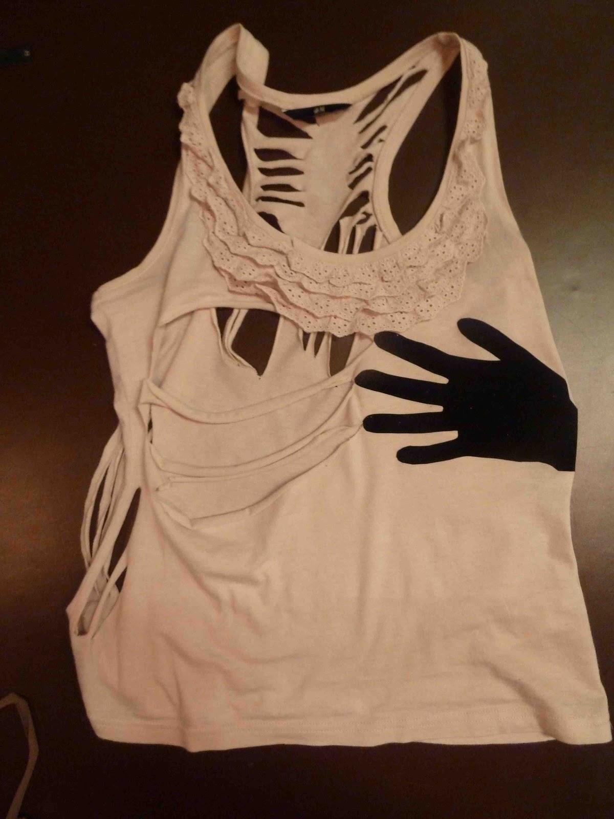 Mijn ogen zien en mijn handen maken: redesign a shirt