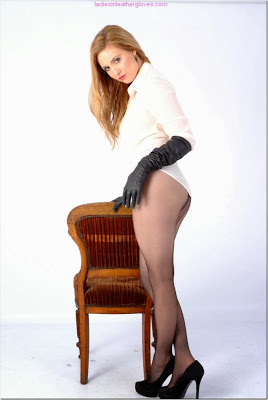 Delicious Long Leather Gloves, Pantyhose and Heels