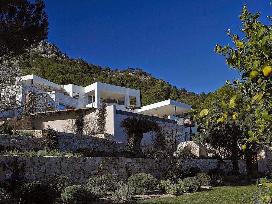Inspirasi Desain Rumah Model Villa Minimalis