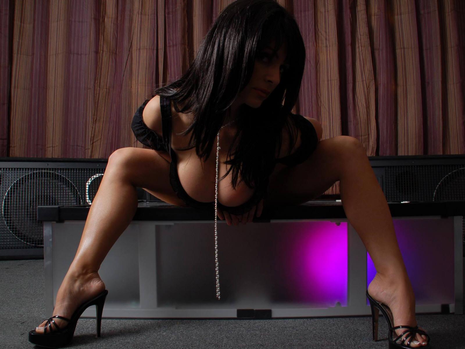 http://2.bp.blogspot.com/-sSJKTe8rPgw/TVVc_MsvoHI/AAAAAAAAB94/uOzoXVh7WoM/s1600/Sexy%2BGirls%2B.%2B-%2BFreeHD.Blogspot.Com%2B%2B%2525286%252529.jpg