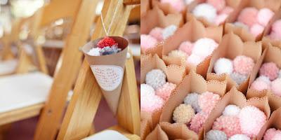 pompones-boda-conos