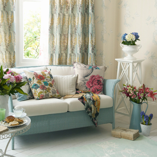 country style cottage shabby chic floral spring summer look decor aqua