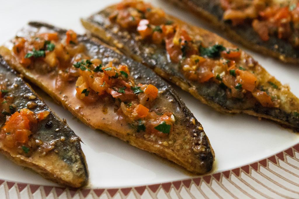Masala mackerel with cumin spiced mushy peas coconut raita for Mackerel fish recipe