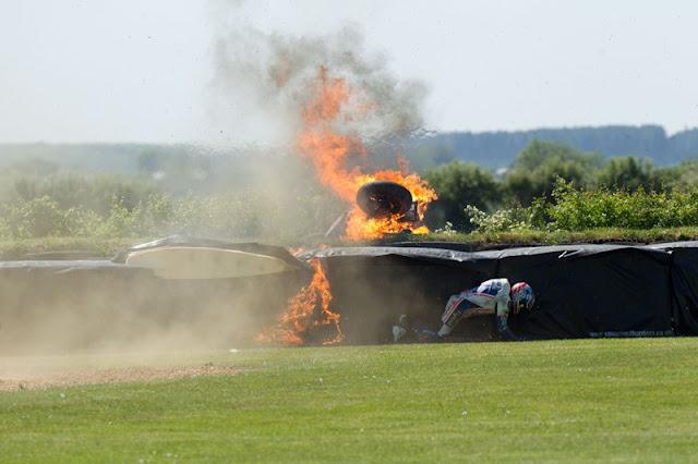 Alastair-Seeley's-Snetterton-fireball-Crash-