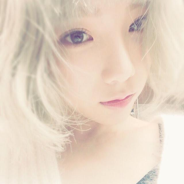 taeyeon selfie