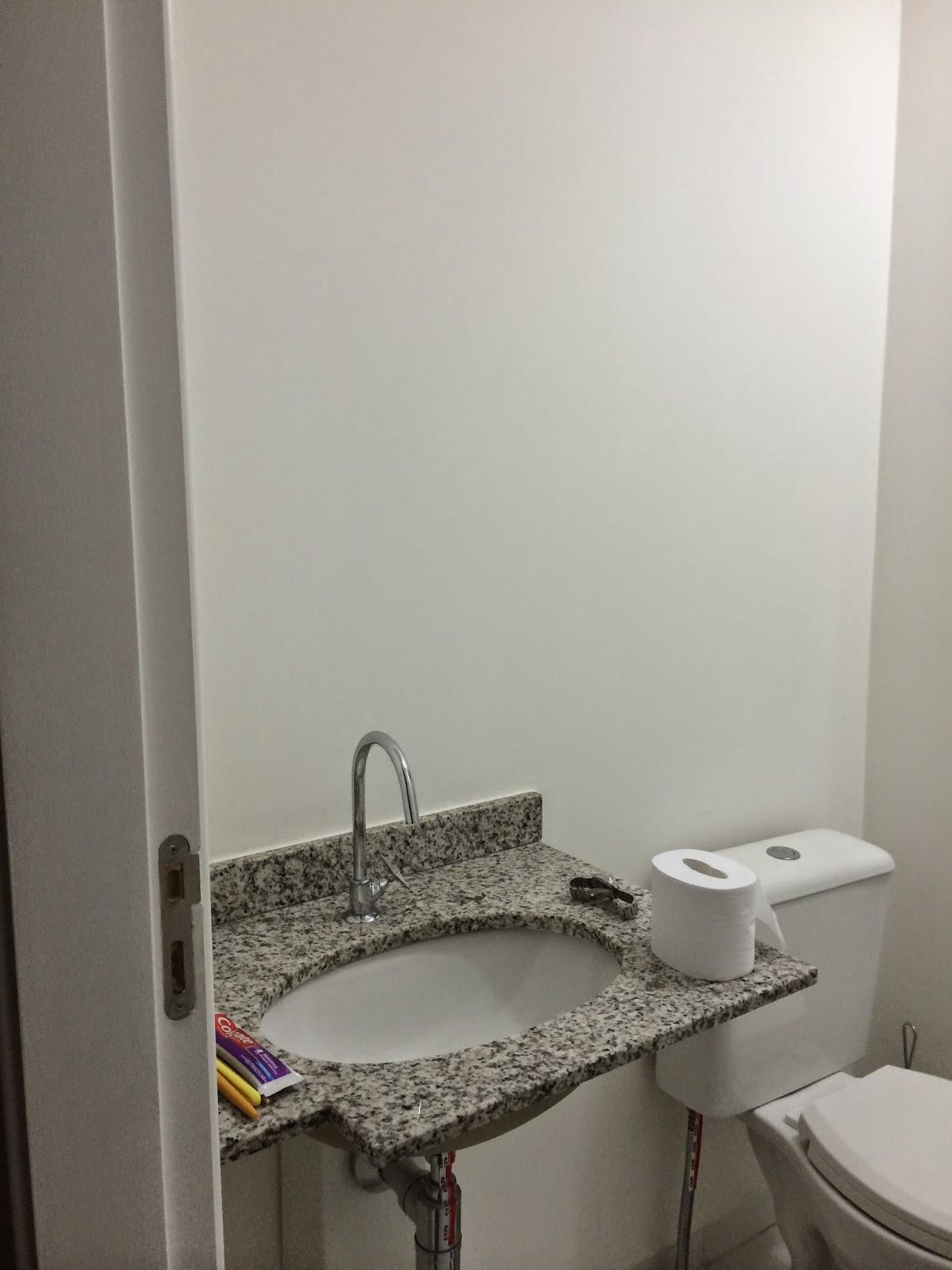 MinhaCasaNova: {Bancadas da cozinha e banheiro} #452F5F 1200x1600 Banheiro Com Bancada Vermelha