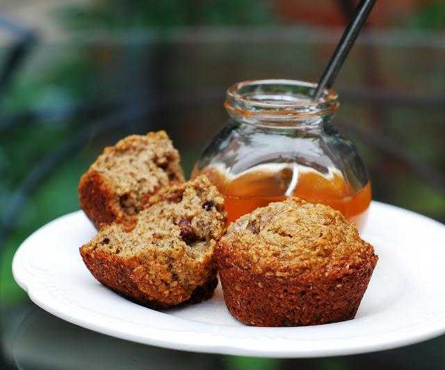 banana walnut bran muffins