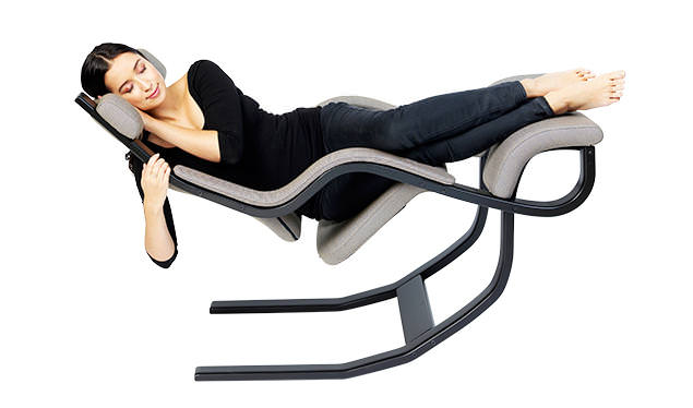 Art design inspiration gravity balans recliner by peter opsvik the zero gravity chair - Gravity balans ...