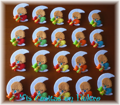 broche, fieltro, broche de fieltro, broche en fieltro, broche bebé, bebé, bautizo, bautismo, souvenir