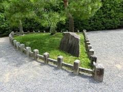 扇の芝(宇治平等院)