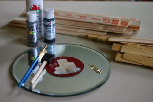 diy un miroir soleil en bois initiales gg. Black Bedroom Furniture Sets. Home Design Ideas