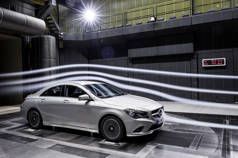 Mercedes benz cla al detalle tested cars for International mercedes benz milwaukee