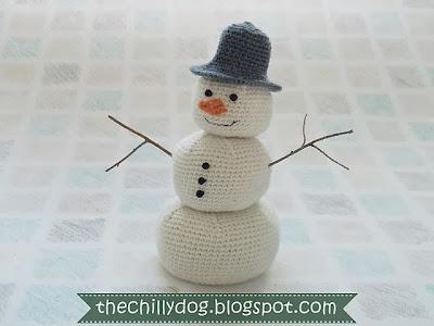 free crochet pattern amigurumi snowman