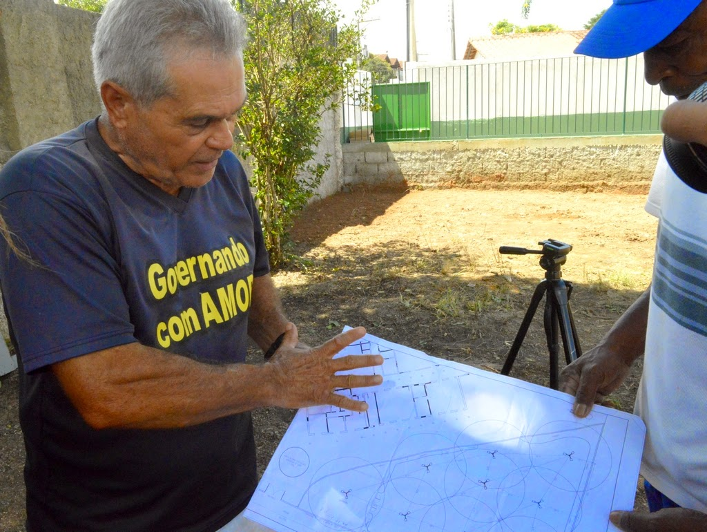 O subsecretário de Parques e Jardins, Tião Correia, contou como vai ser a nova praça.