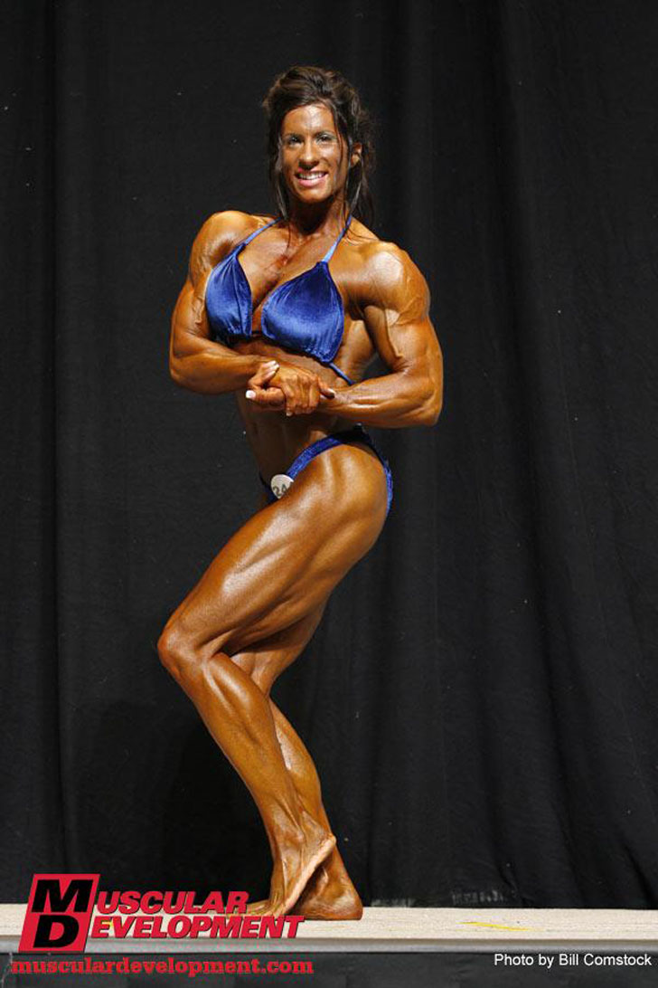 Angela Salvagno Flexing Her Winning Physique At The 2009 NPC USA Championships