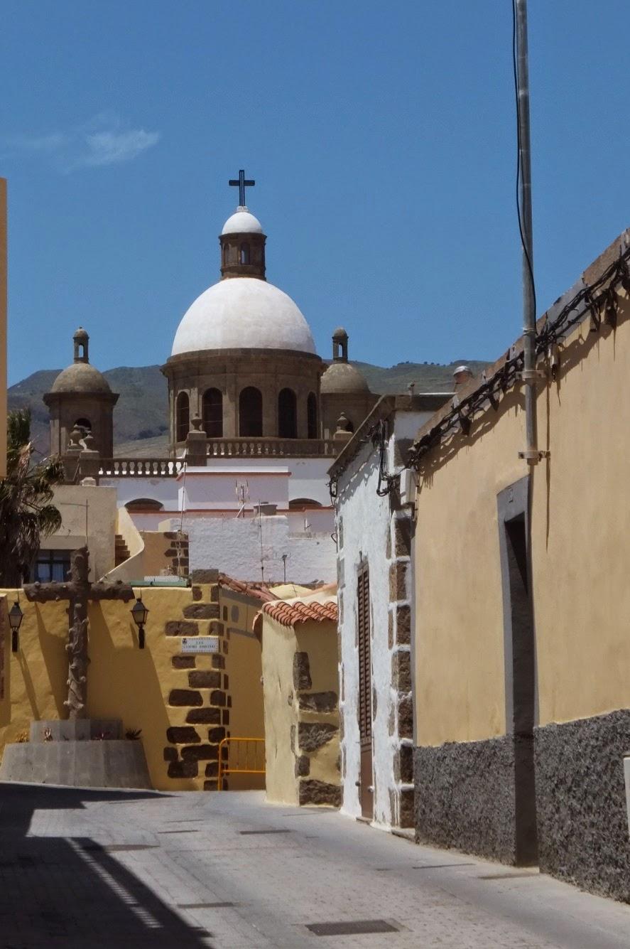 Aguimes - Gran Canaria - sunlit dome of basilica