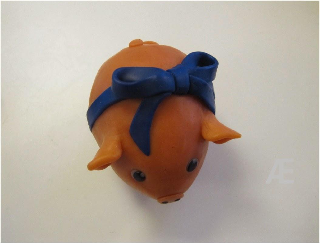 diy cernit gris jule pynt, blå sløjfe, babyblå fimo ler polymer clay dyr