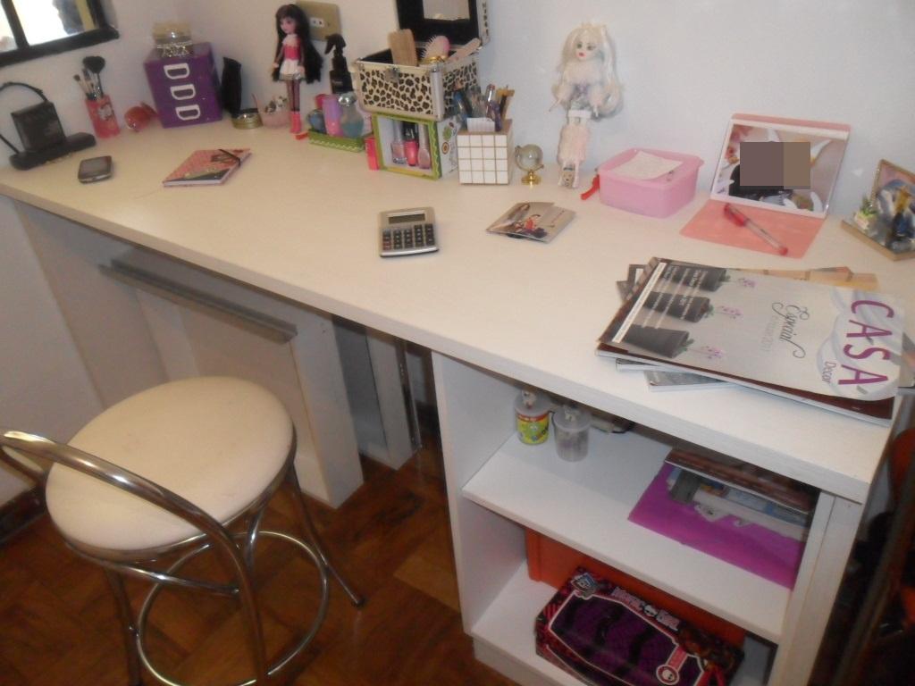 é a Camilly e hoje vou mostrar algumas fotos da minha escrivaninha  #3A2118 1024x768
