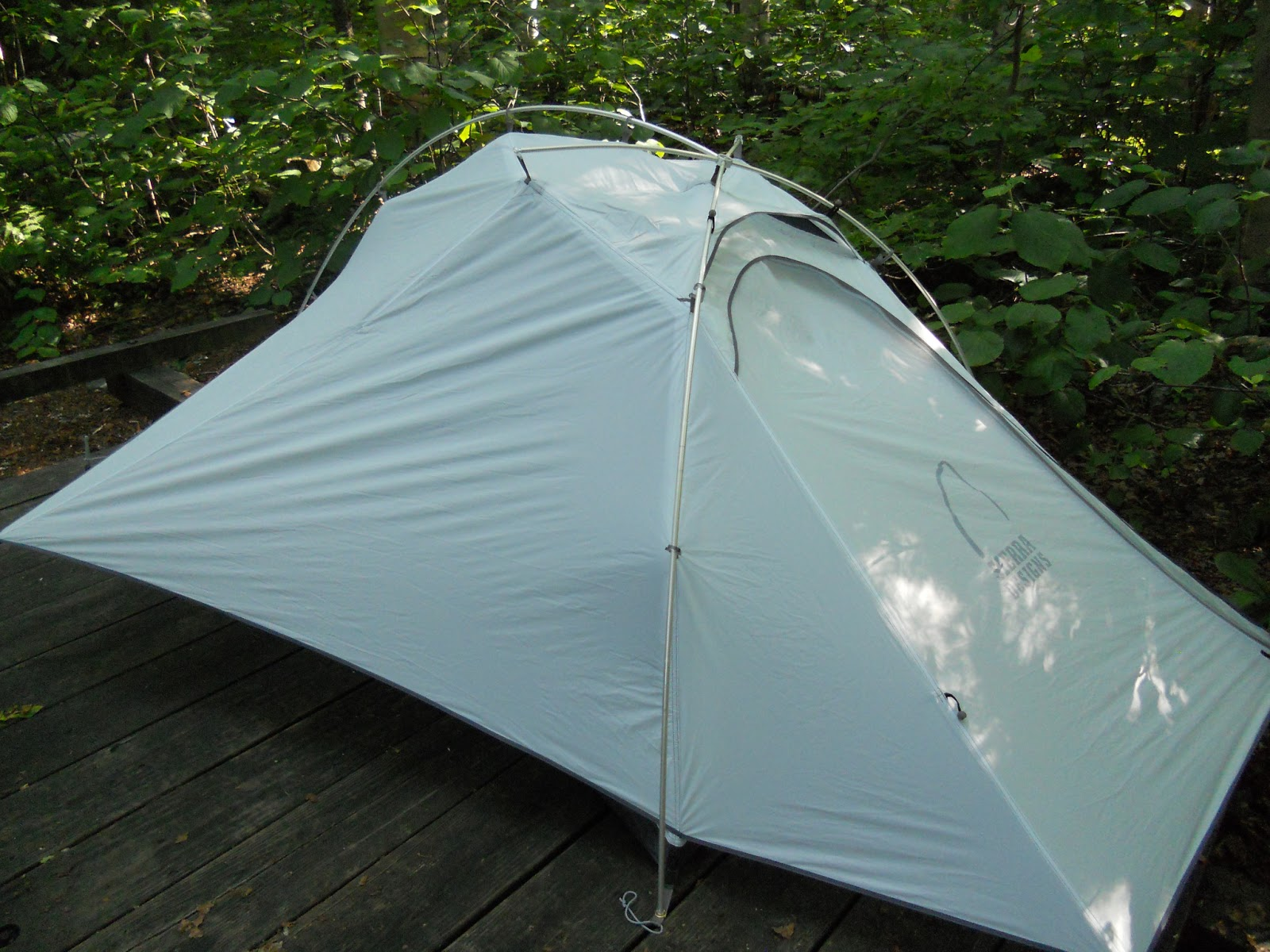 The innovative external pitch tent design of Sierra Designsu0027 Flash 2 Tent won accolades from reviewers at Backpacker Magazine like itu0027s older sister the ... & CCOutdoorStore.com Blog: External Pitch: Sierra Designs Gets it Right