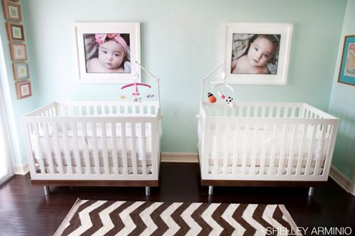 pertenece a cada beb podemos ese espacio virtual de la pared con fotos lminas vinilos letras de madera sus iniciales o sus nombres