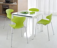 Cadeiras cozinha em plástico
