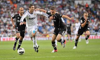 Cristiano+Ronaldo+Real+Madrid+CF+v+Granada+zTaQHPgHnful صور كريستيانو رونالدو مباراة غرناطة الدوري 2012/2013 2 سبتمبر 2012