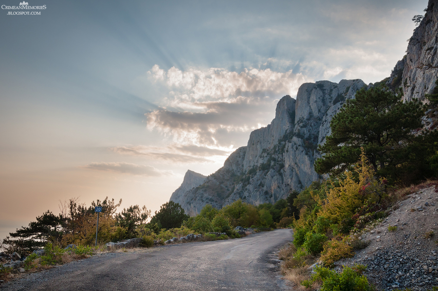 Crimea photo: landscapes, mountains, seascapes, sunsets from Yalta, Livadia, Massandra, Alupka, Foros and other great Crimean places of interest