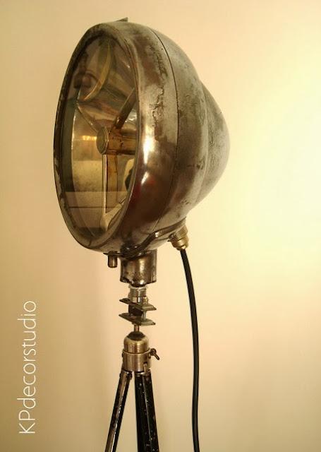 Lámparas estilo industrial. Focos de cine vintage antiguos