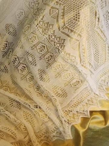 TE KOOP: Shetland hand kunstbreiwerk lace bruidsshawl.