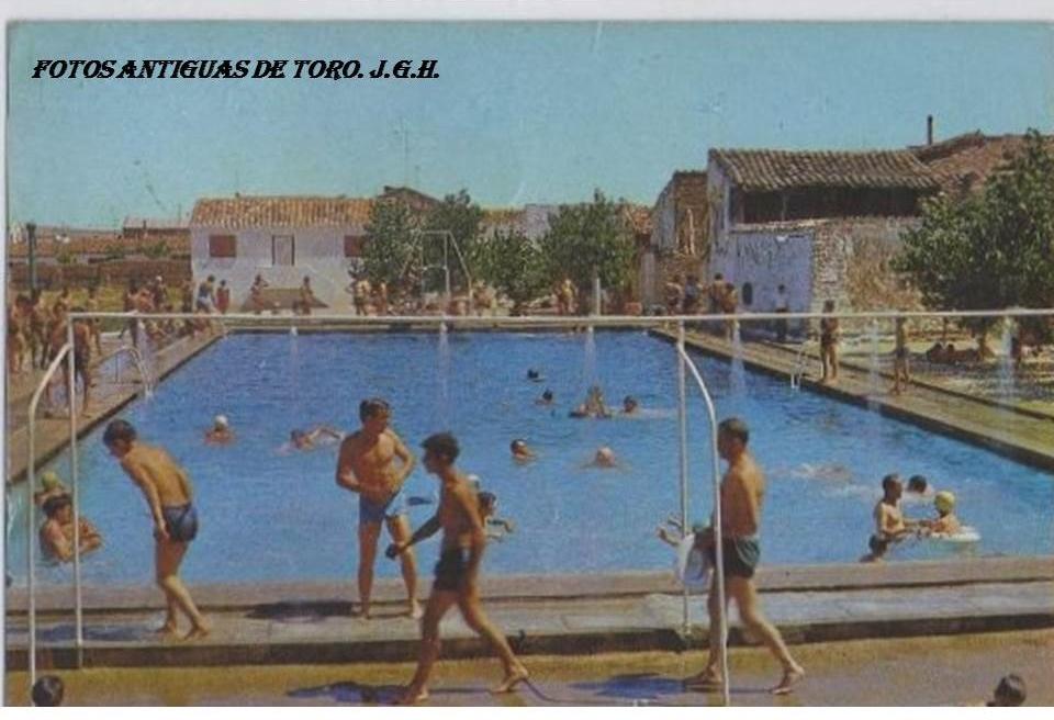 Fotos antiguas de toro piscinas de toro for Piscinas toro