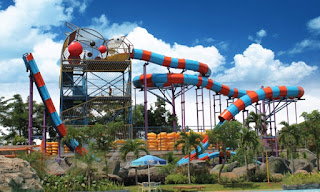 Boomerang Slide Water Kingdom Mekarsari