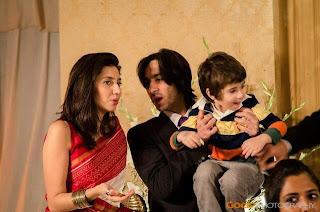 Pakistan celebrities Mahira Khan with her husband & son
