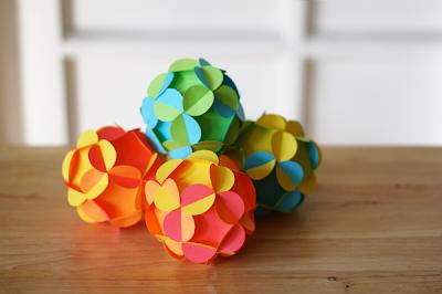 Membuat Bunga Dari Kertas