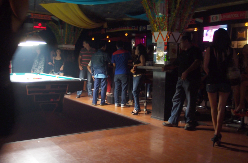 Top Gun The Best Bar In Street With A Lot Of People Party Atmosphere And Live Music Your Choice If You Are Newcomer To Blok M