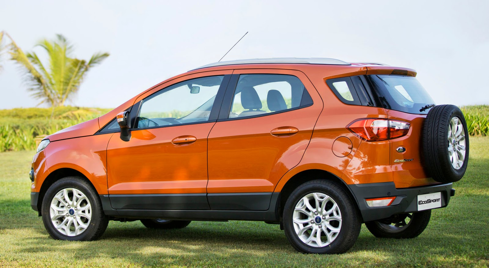 FORD ECOSPORT DIESEL 15 AMBIENTE SUV PRICES REVIEWS SPECIFICATIONS PHOTOS INTERIORS EXTERIORS