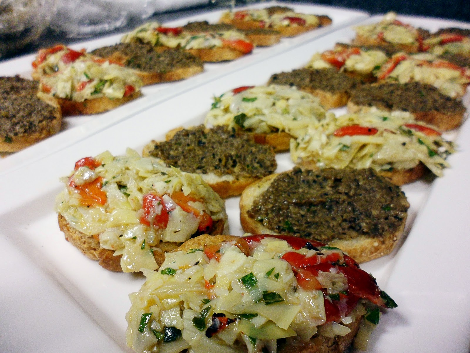 Artichoke-olive Crostini Recipe — Dishmaps