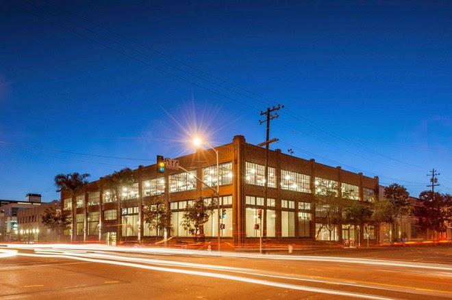 renovasi-bangunan-gudang-interior-kantor-pinterest.com-dinamis-ruang dan rumahku-002