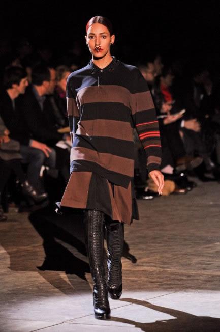 Lea T desfila coleção masculina da Givenchy (Foto: Cortesia Elian Gallardo Agency)