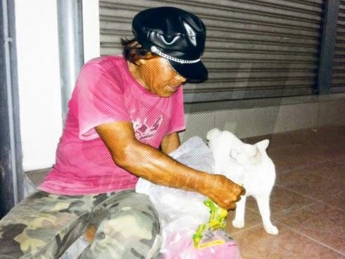 Dulu aku ada rumah di Kampung Melayu Pandan tapi selepas rumah aku dirobohkan