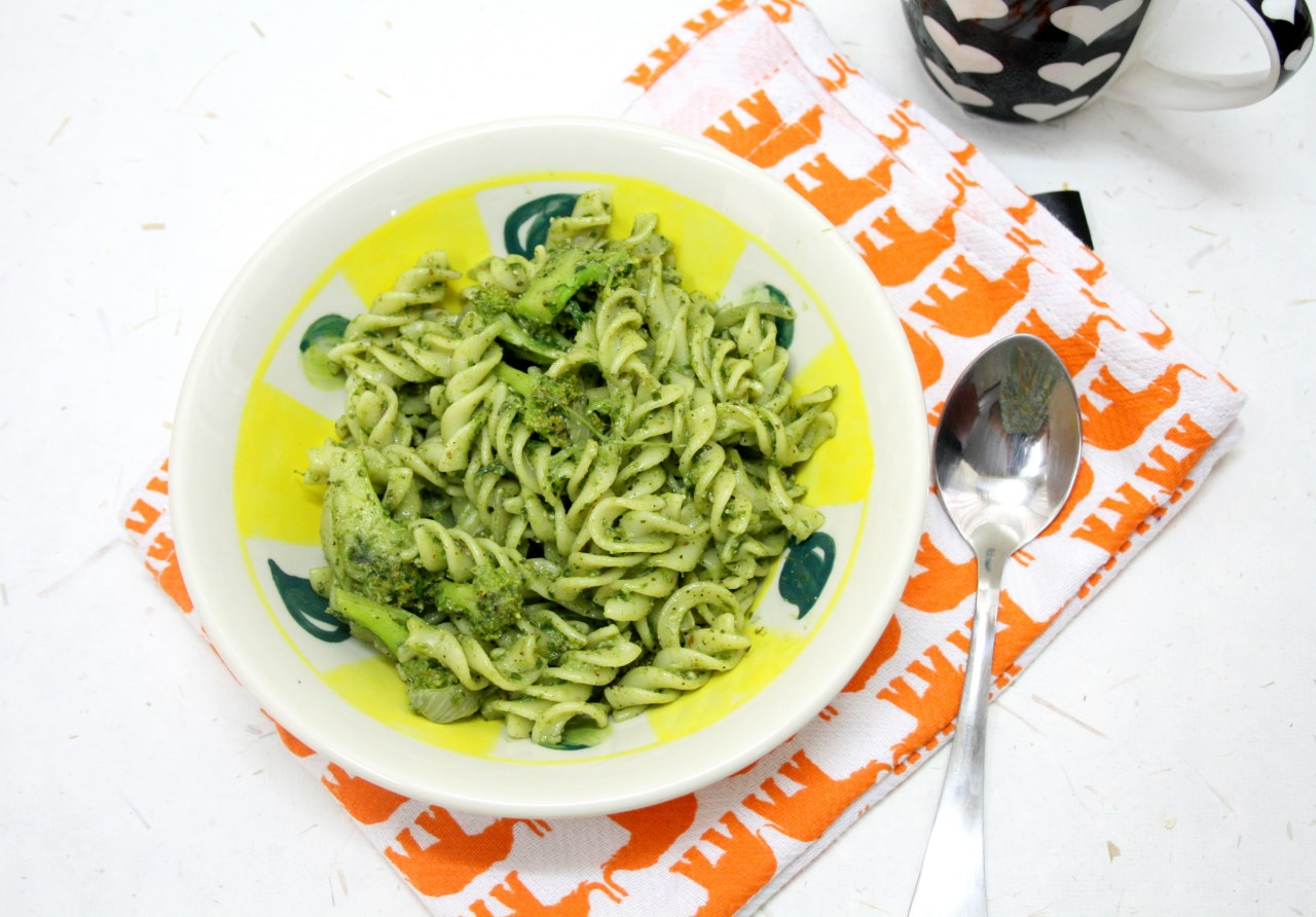 Spice your Life: Fusilli Pasta with Parsley Pesto and Roasted Broccoli