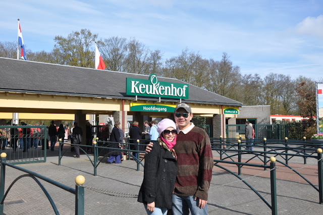 holiday to holland and belgium with premium beautiful at keukenhof with husband