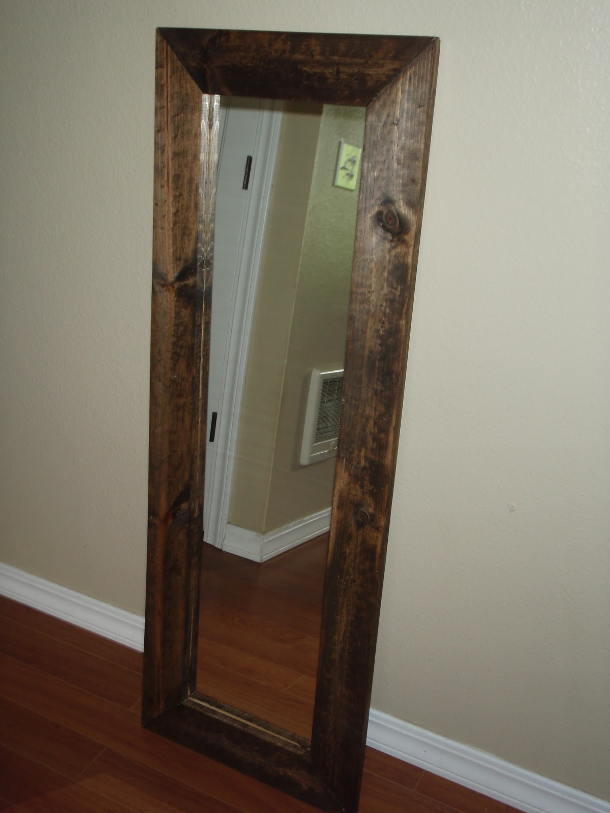 Tons of fun momma diy full length mirror for Inexpensive framed mirrors